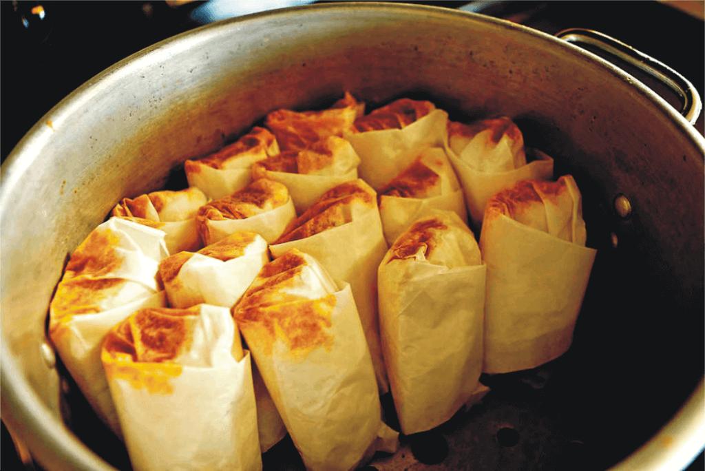 wrap-tamales-in-the-paper-towel